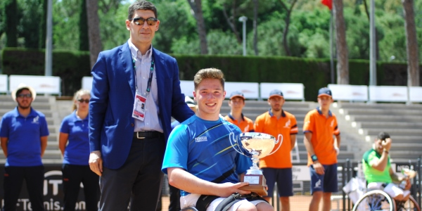 Hewett lifts first ITF 2 Series singles title in Rome